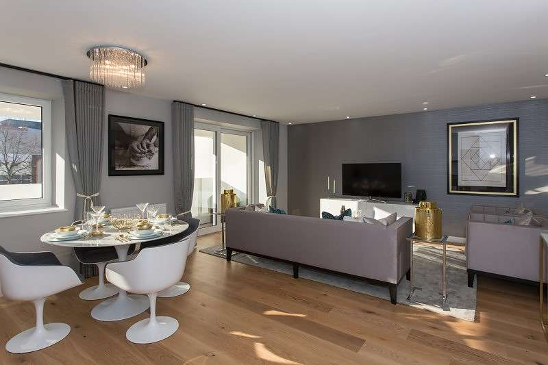 2 Bedrooms Flat for sale in Putney Hill, Putney, SW15