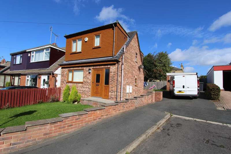 3 Bedrooms Detached House for sale in Whinmore Gardens, Gomersal