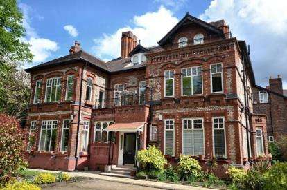 1 Bedroom Flat for sale in Barlow Moor Road, Manchester, Greater Manchester