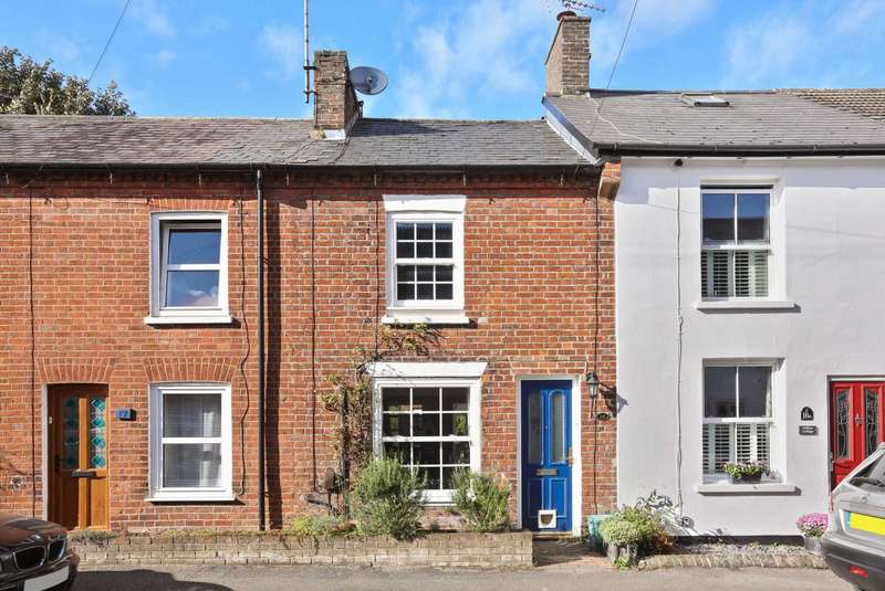 2 Bedrooms Terraced House for sale in Albert Street, Tring