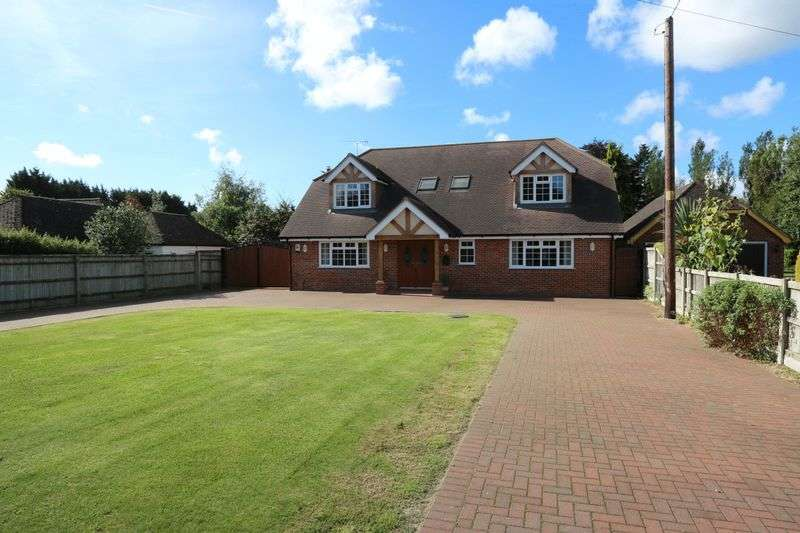 4 Bedrooms Detached House for sale in Spurlands End Road, Great Kingshill