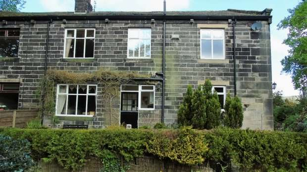 4 Bedrooms Semi Detached House for sale in Mankinholes Todmorden