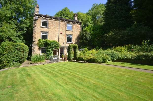 4 Bedrooms Cottage House for sale in Woodsome Lees Lane, Kirkburton, HUDDERSFIELD, West Yorkshire