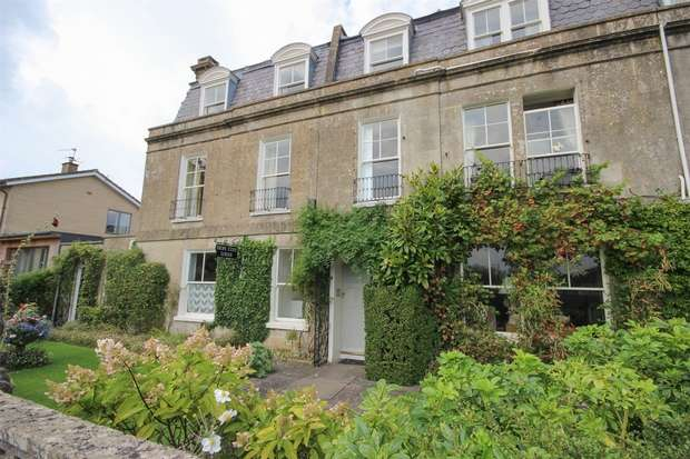 2 Bedrooms Flat for sale in Church Road, Combe Down, BATH