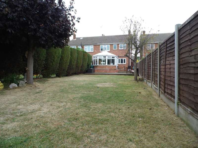 3 Bedrooms Semi Detached House for sale in Kents Hill Road North, Benfleet