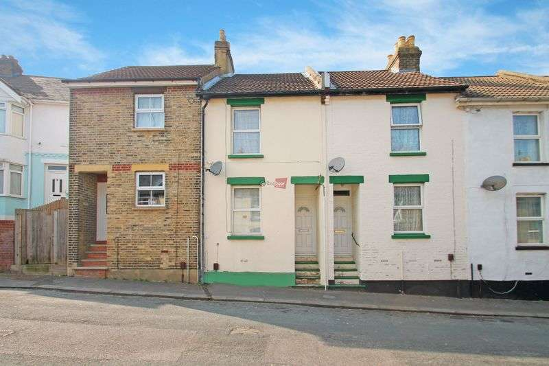 3 Bedrooms Terraced House for sale in Charter Street, Chatham