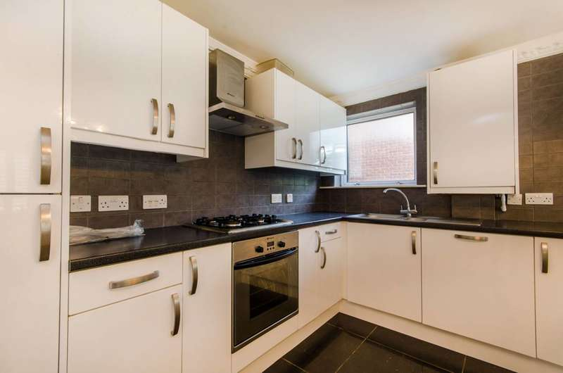 2 Bedrooms Flat for sale in The Ridgeway, The Ridgeway, EN2
