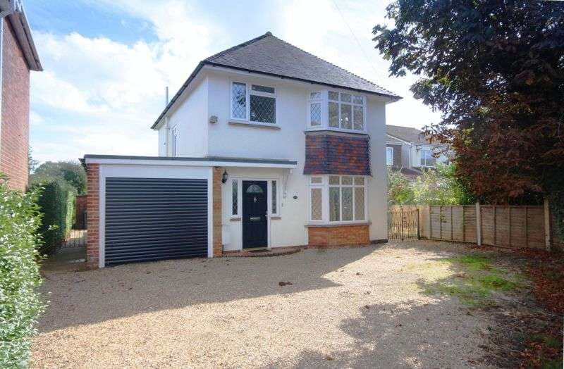 3 Bedrooms Detached House for sale in Town Centre