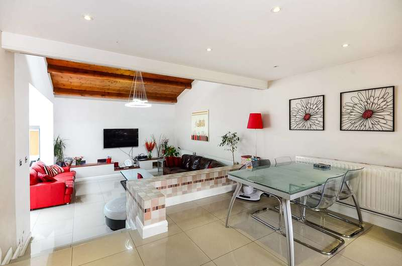 5 Bedrooms House for sale in Beaufort Gardens, Norbury, SW16