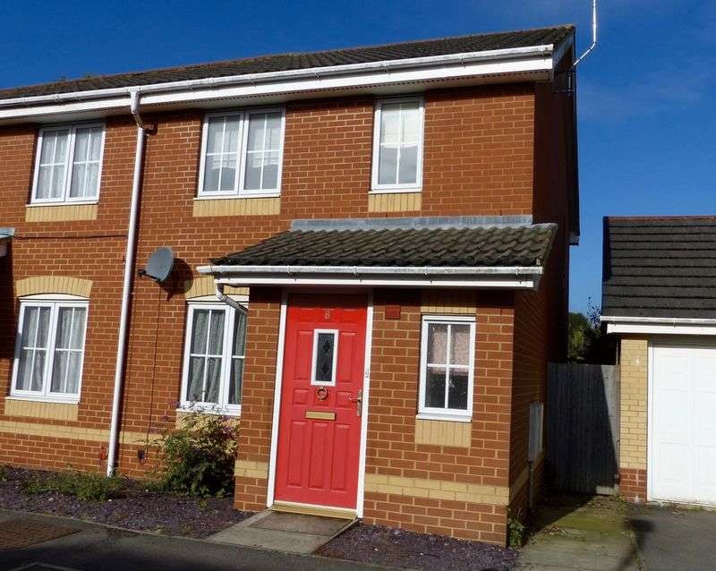 3 Bedrooms Semi Detached House for sale in Hodges Mews, High Wycombe.