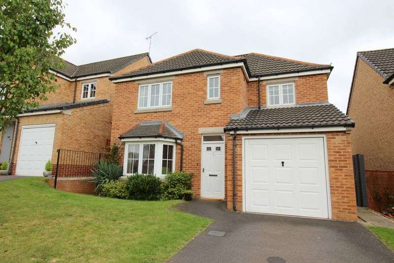 4 Bedrooms Detached House for sale in Maidment Drive, St. Georges Park, Lincoln