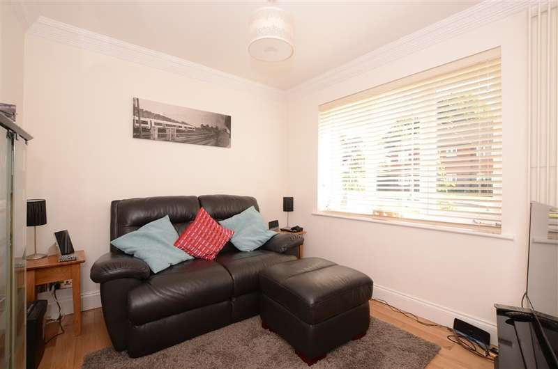 5 Bedrooms Detached House for sale in Forest Park, Maresfield, Uckfield, East Sussex