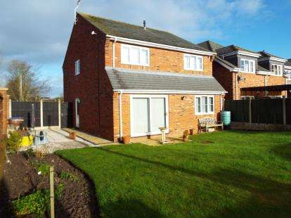4 Bedrooms Detached House for sale in Irvine Road, Werrington, Stoke-On-Trent, Staffordshire