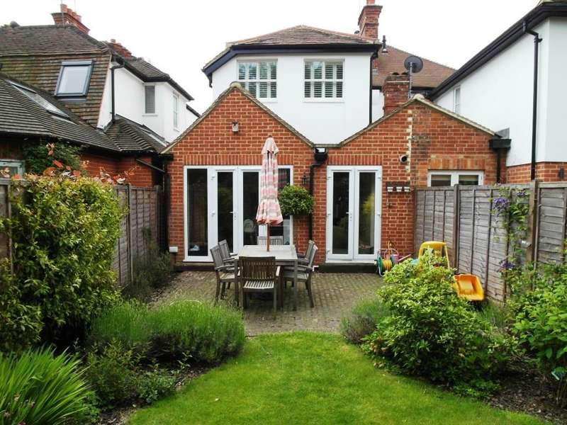 2 Bedrooms Detached House for sale in Winterdown Road, Esher