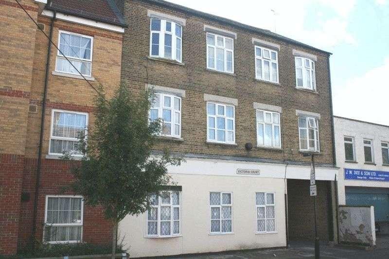 1 Bedroom Flat for sale in Sweyne Avenue, Southend-On-Sea
