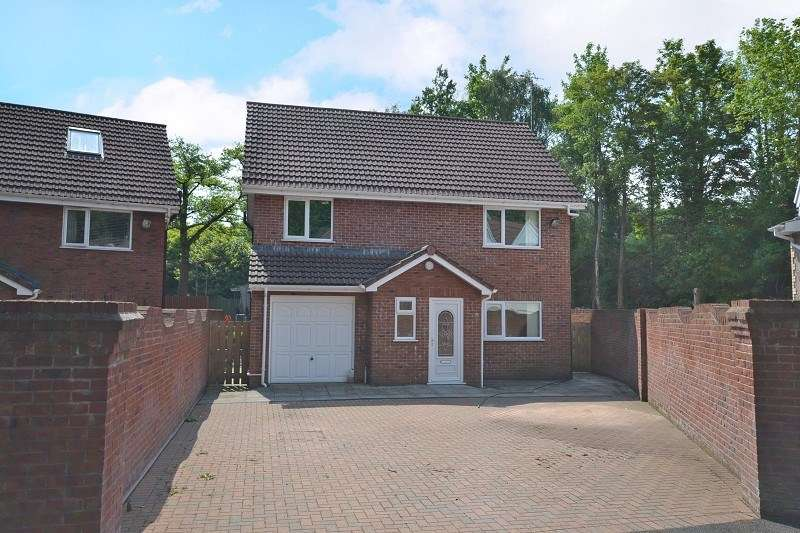 4 Bedrooms Detached House for sale in Maesglas, Newport