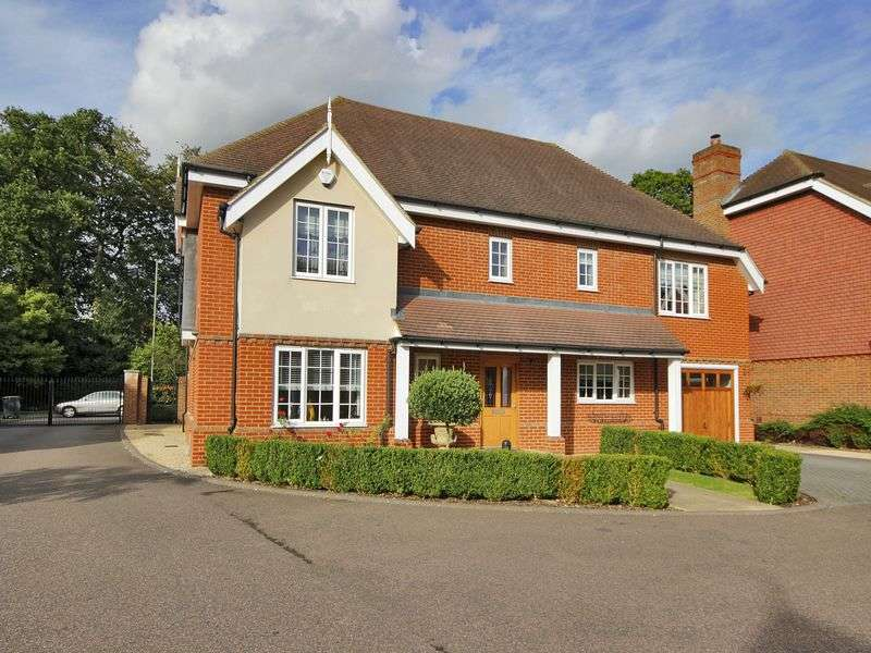 5 Bedrooms Detached House for sale in Mulberry Gate, Felbridge, West Sussex