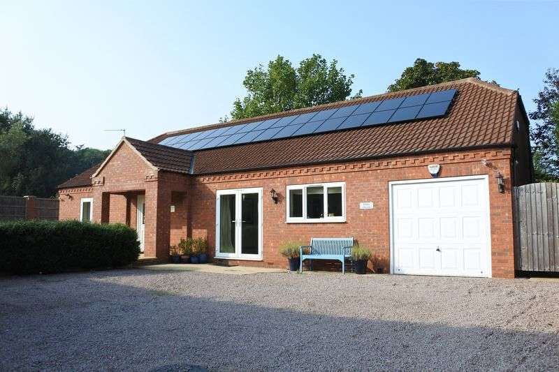 4 Bedrooms Detached House for sale in High Road, Barrowby, Grantham