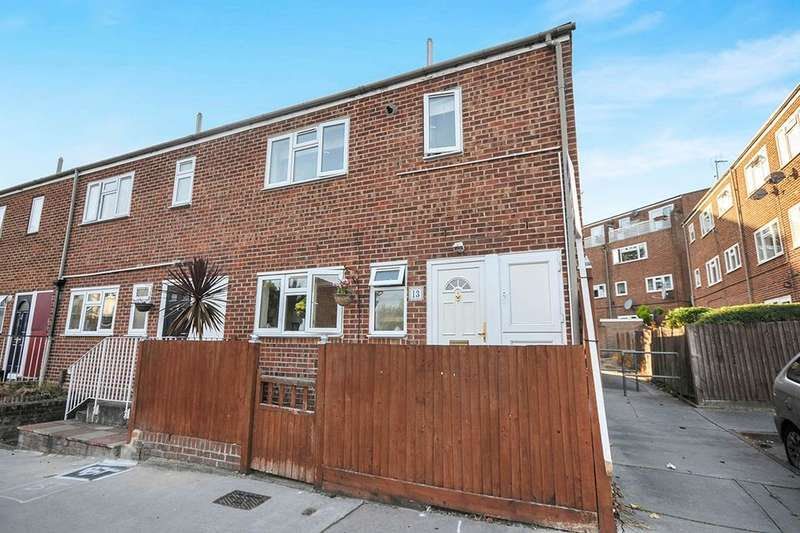 3 Bedrooms Semi Detached House for sale in Beaver Close, London, SE20
