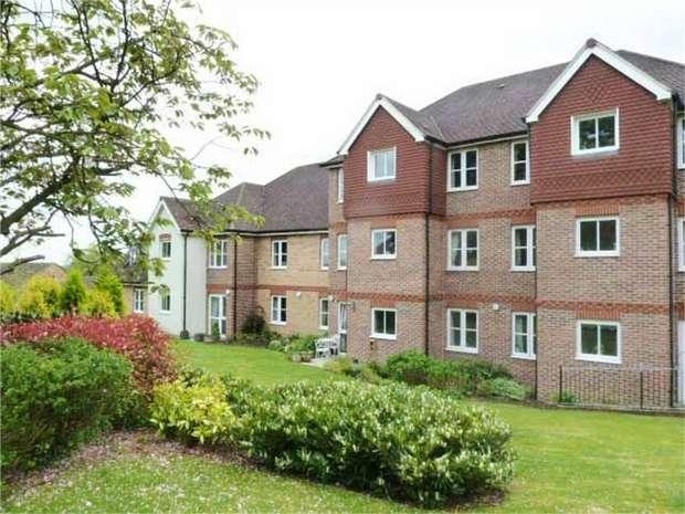 1 Bedroom Flat for sale in Buckingham Road, Brackley, Northamptonshire