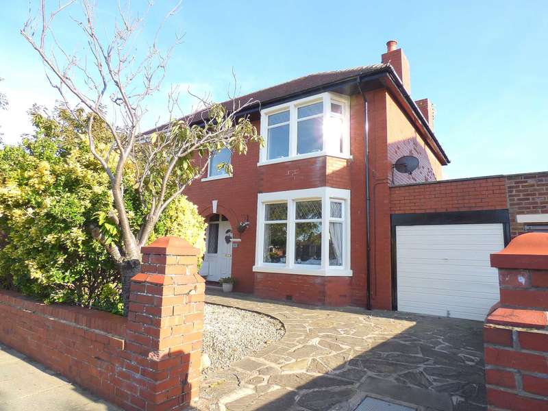 4 Bedrooms Semi Detached House for sale in Kenilworth Road, St. Annes.