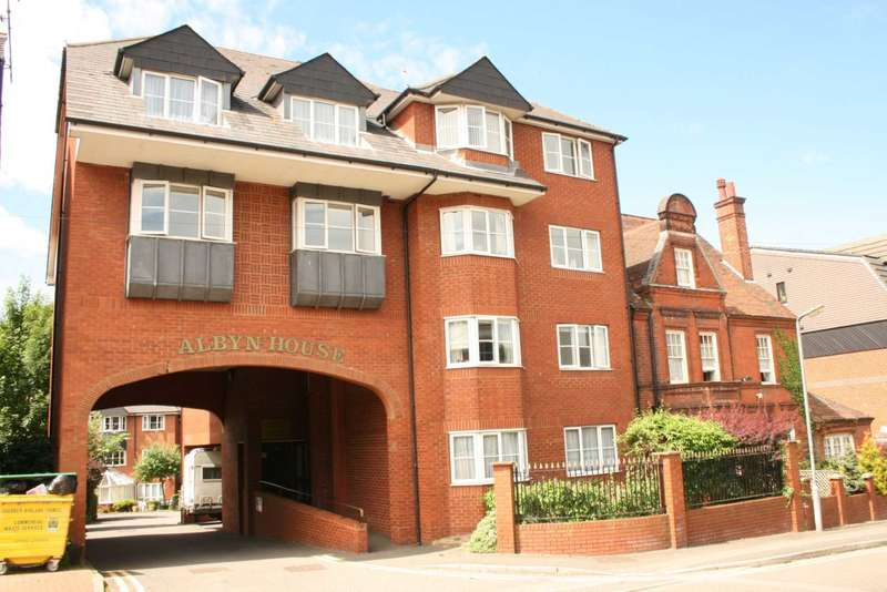 2 Bedrooms Apartment Flat for sale in RARELY AVAILABLE 2 double bedroom 1st floor RETIREMENT apartment