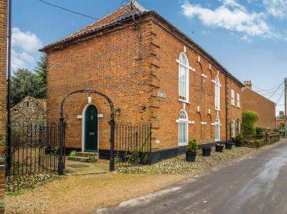 2 Bedrooms Flat for sale in The Lane, Briston, Norfolk