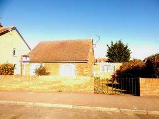 3 Bedrooms Bungalow for sale in Belmont Road, Minster On Sea, Sheerness, Kent