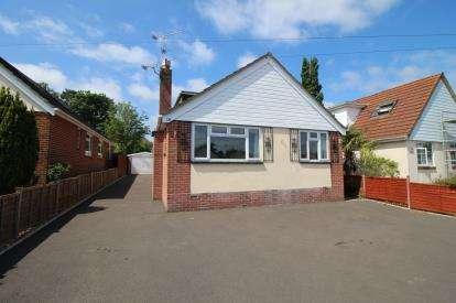 5 Bedrooms Bungalow for sale in Broadstone, Dorset