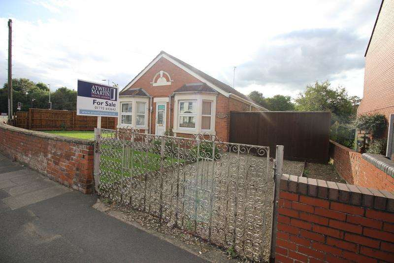 3 Bedrooms Bungalow for sale in Rodbourne Road, Swindon