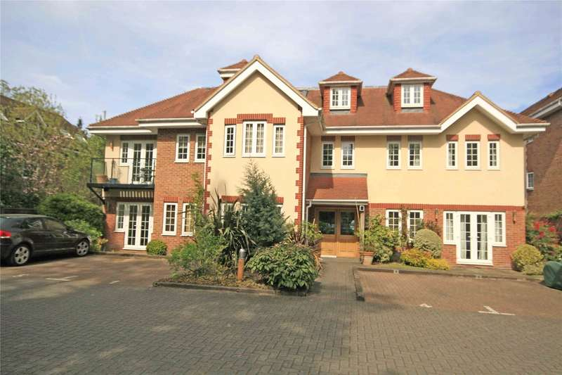 1 Bedroom Apartment Flat for sale in Woodham Place, Sheerwater Road, Addlestone, Surrey, KT15
