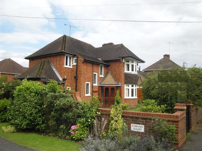 3 Bedrooms Property for sale in North Drive, Beaconsfield, Buckinghamshire