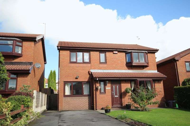 5 Bedrooms Detached House for sale in UPPER PASSMONDS GROVE, Passmonds, Rochdale OL11 5AH