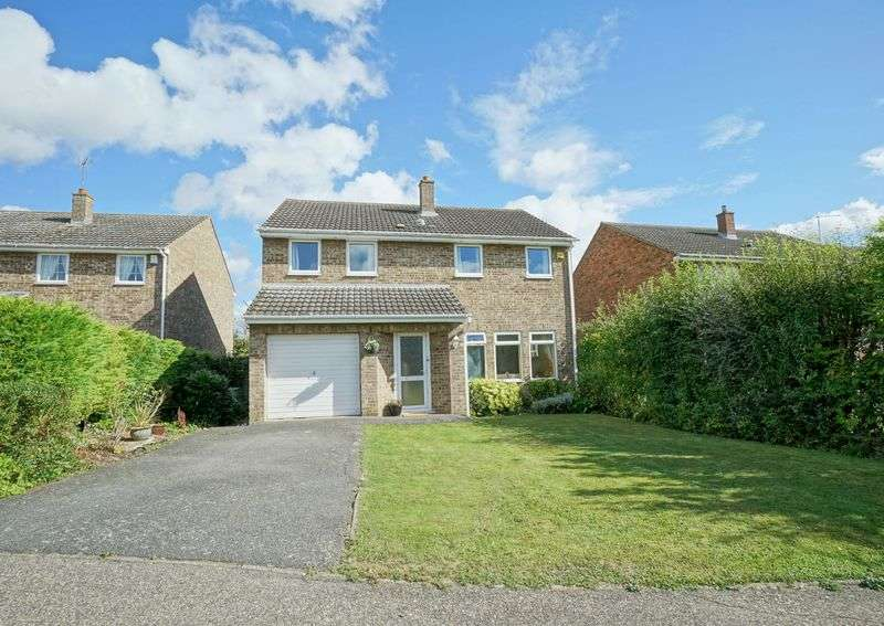 4 Bedrooms Detached House for sale in Redwell Close, St. Ives