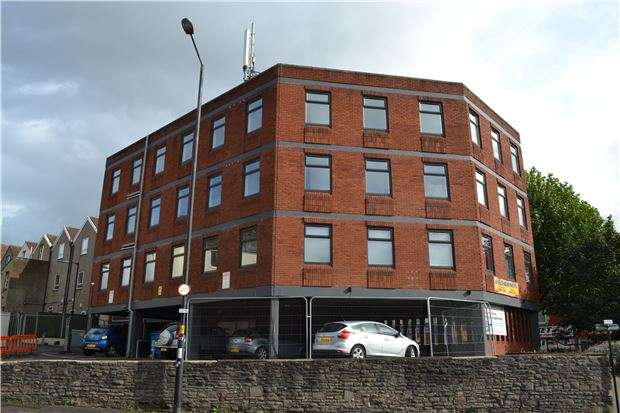 2 Bedrooms Flat for sale in Flat 7 Ashbourne House, Fishponds Road, Eastville, BS5 6SH