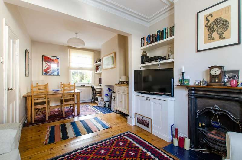 3 Bedrooms House for sale in Elsley Road, Shaftesbury Estate, SW11