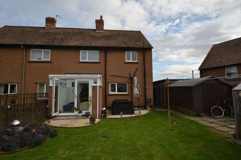 3 Bedrooms Semi Detached House for sale in Hollywell Crescent, Morpeth