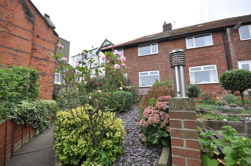 3 Bedrooms Terraced House for sale in Windsor Terrace, Whitby
