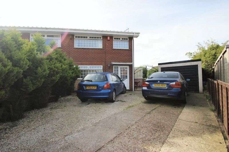 3 Bedrooms Semi Detached House for sale in BRIAR CLOSE, SOUTH KILLINGHOLME