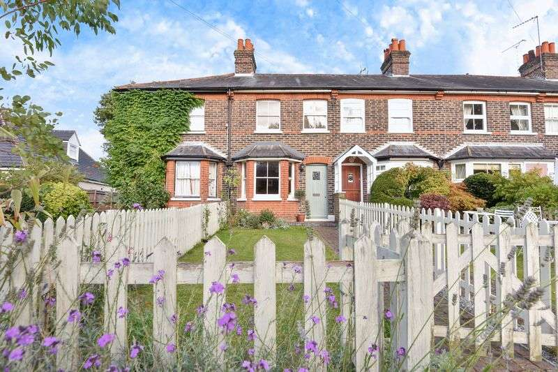 2 Bedrooms Terraced House for sale in Crampshaw Lane, Ashtead