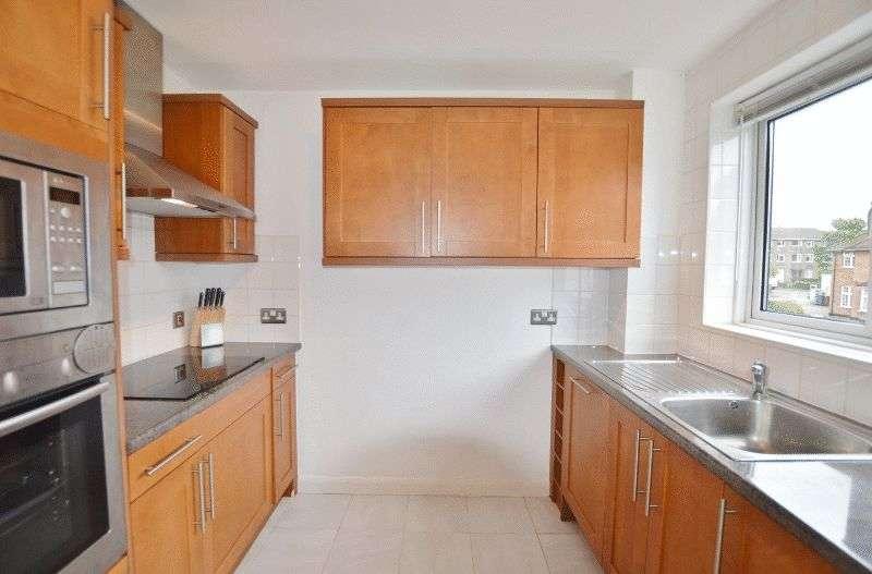 2 Bedrooms Flat for sale in Devonshire Road, Hatch End