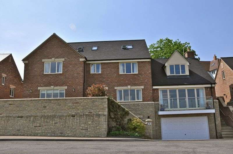 5 Bedrooms Detached House for sale in Greenavon Close, Greenhill, Evesham, WR11 4QR