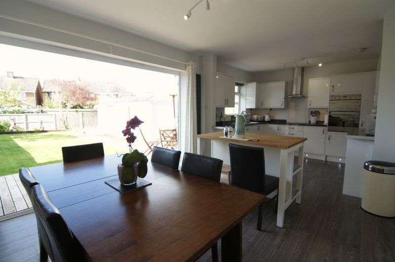 4 Bedrooms House for sale in Fairlands, Guildford