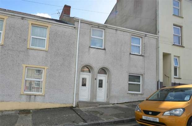 3 Bedrooms Terraced House for sale in Meyrick Street, Pembroke Dock, Pembrokeshire