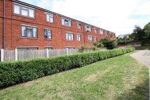 1 Bedroom Maisonette Flat for sale in Wildwood Close, Lee, Lewisham, London