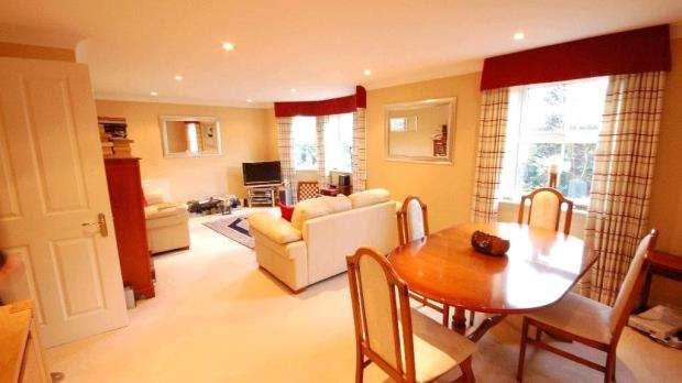 2 Bedrooms Apartment Flat for sale in Cox Hollow, Southcote Road, Reading