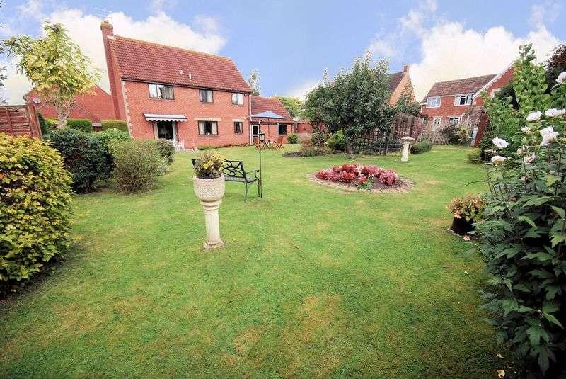 4 Bedrooms Detached House for sale in Malthouse Farm Close, Melksham