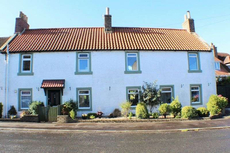 4 Bedrooms Semi Detached House for sale in 31 High Street, Pitlessie KY15 7ST