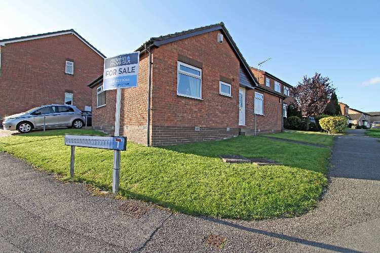 2 Bedrooms Detached House for sale in Wagon Road, South Yorkshire, S61 4QF