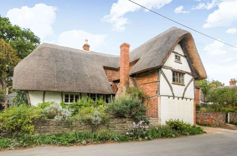 2 Bedrooms Detached House for sale in High Street, Long Wittenham